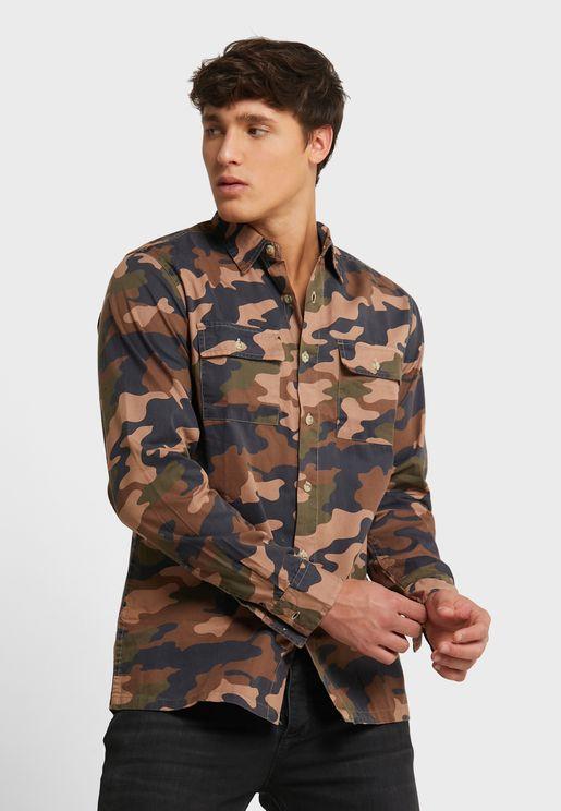 قميص بطبعات جيش