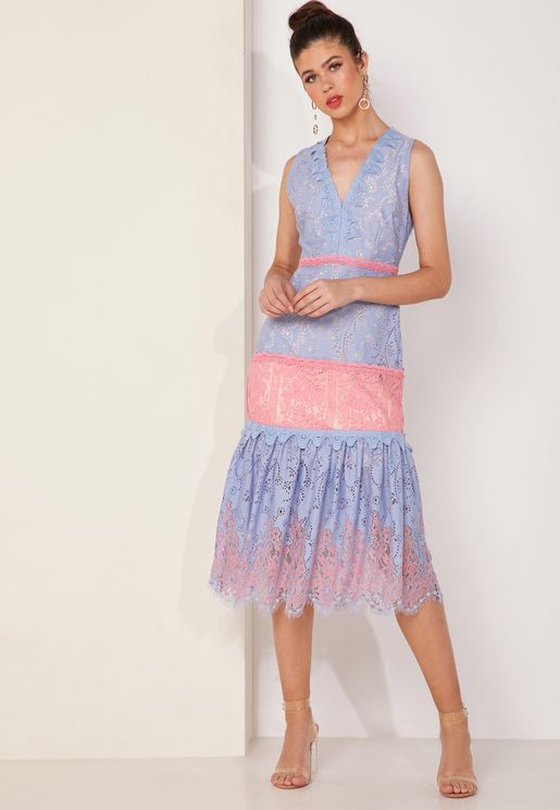 فستان دانتيل من لونين