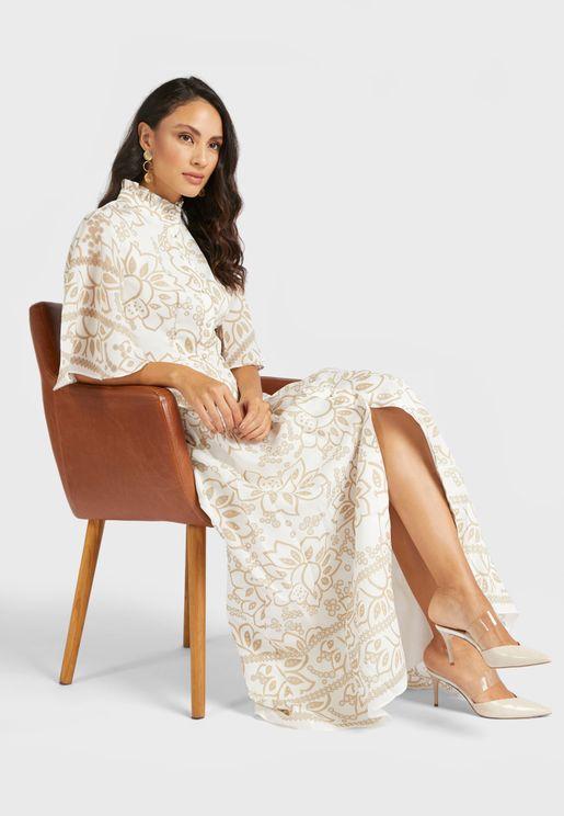 فستان مطبع بشق في الامام