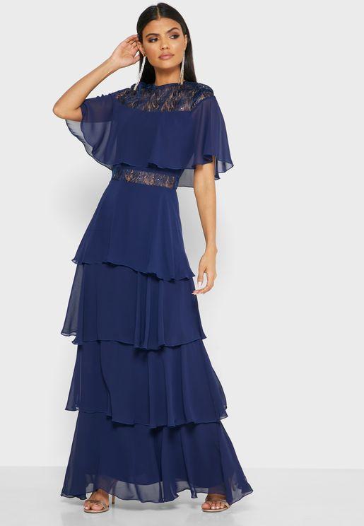 فستان دانتيل بتداخلات كشكش