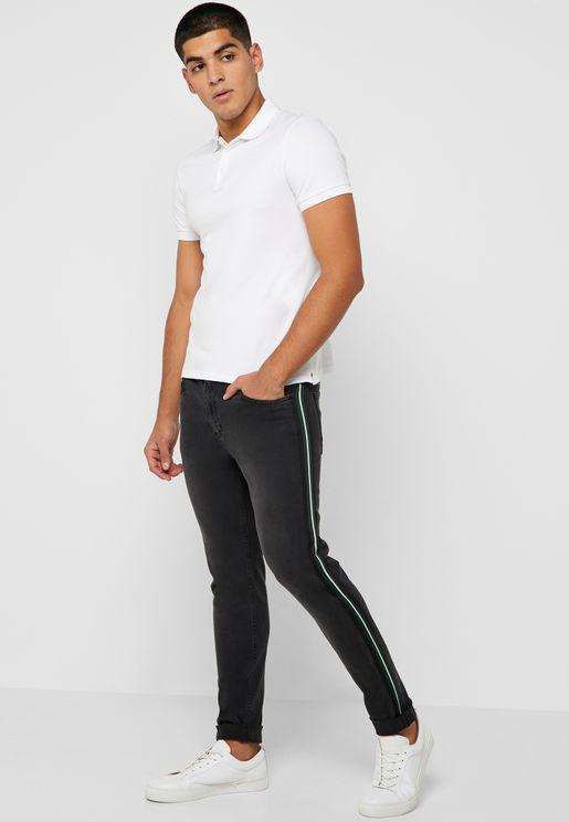 جينز بخطوط جانبية