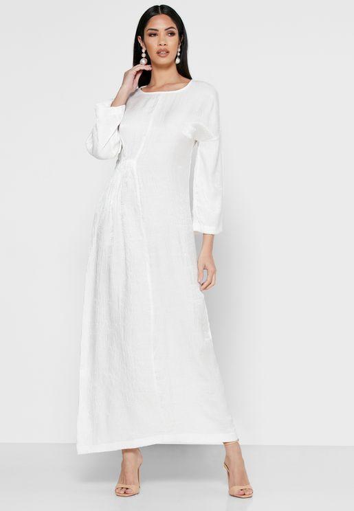 فستان مكسي باجزاء مزمومة في الجانب