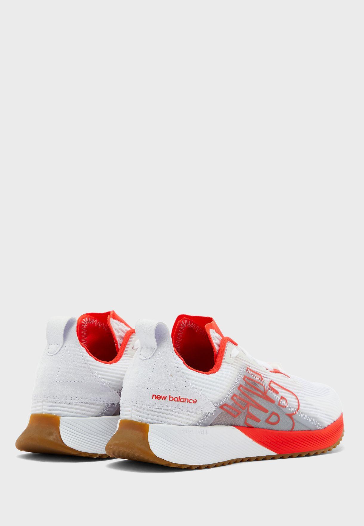 حذاء من مجموعة نيو بالانس 850