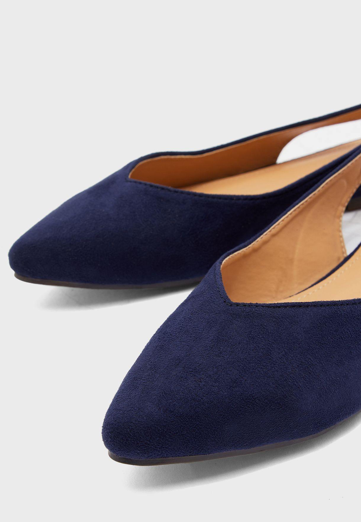 حذاء فلات بسير خلفي