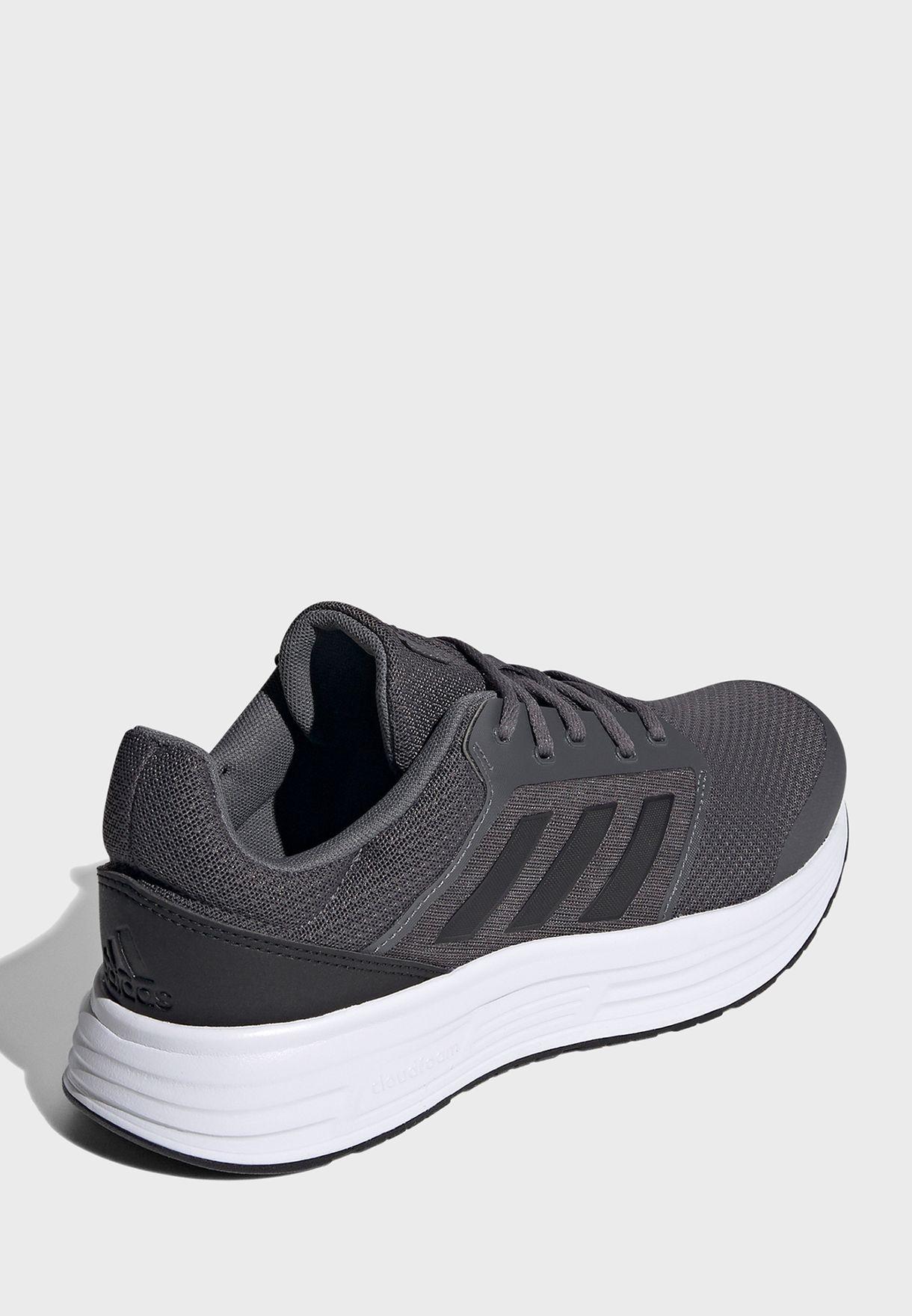 حذاء ركض كلاسيك للرجال