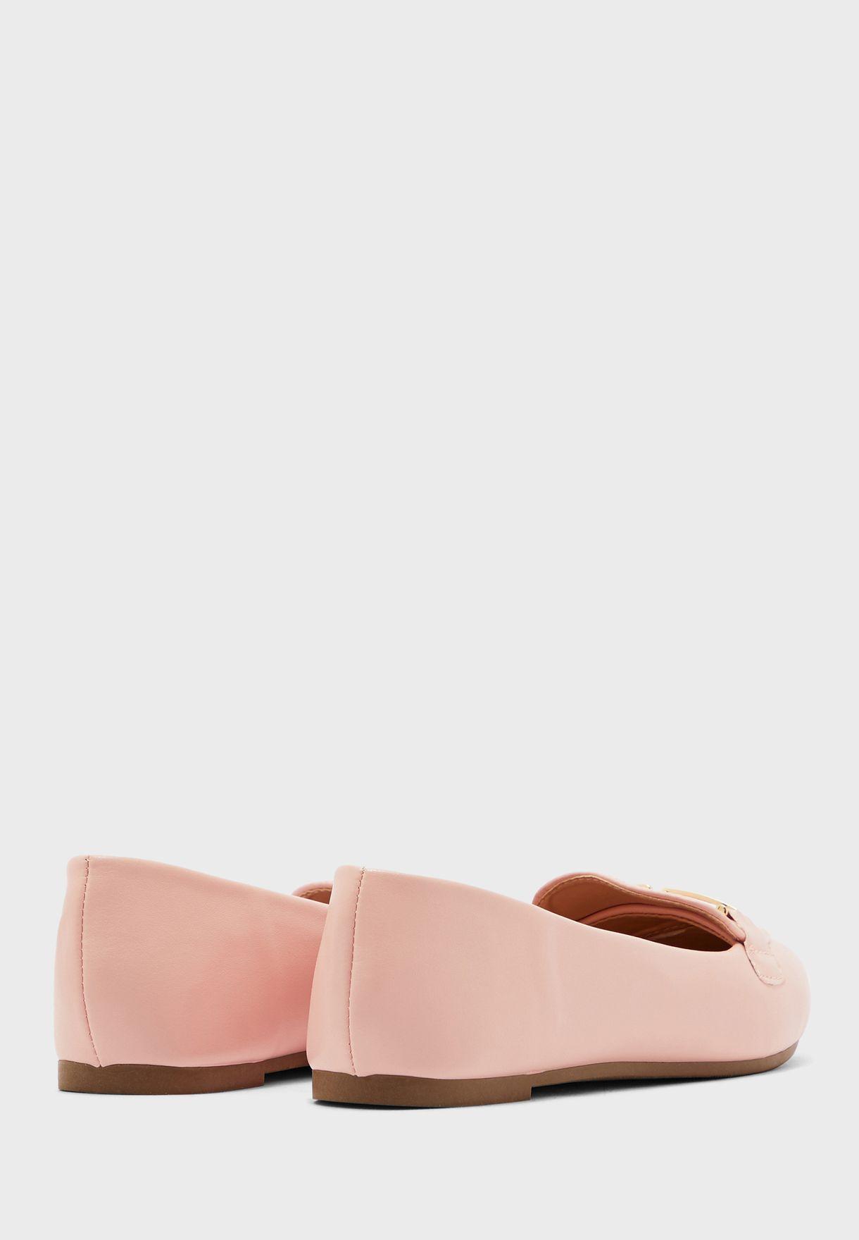 حذاء لوفر بمقدمة مدببة