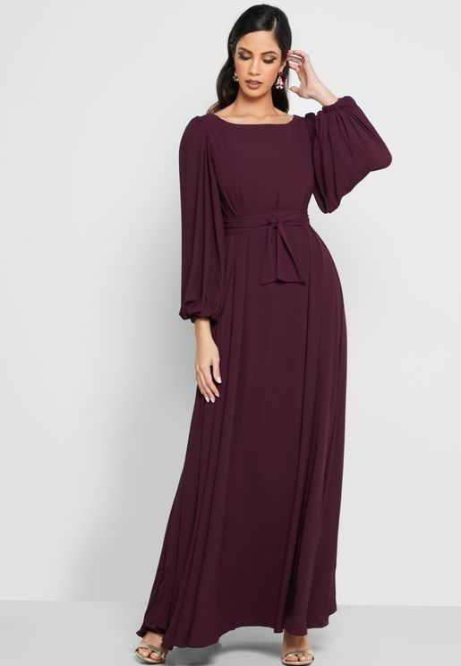 فستان باكمام واسعة واربطة خصر
