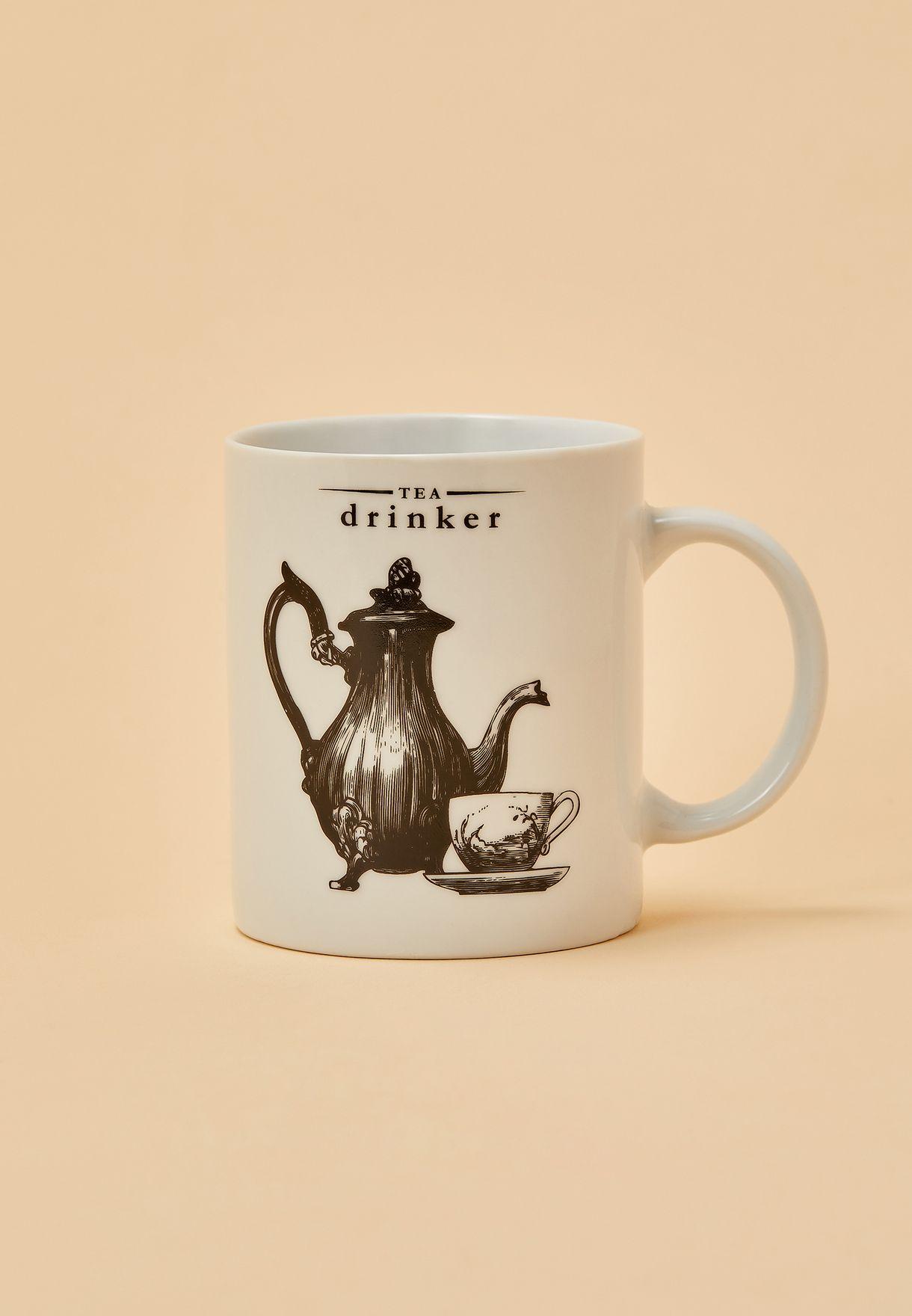 مج للشاي من البورسلين