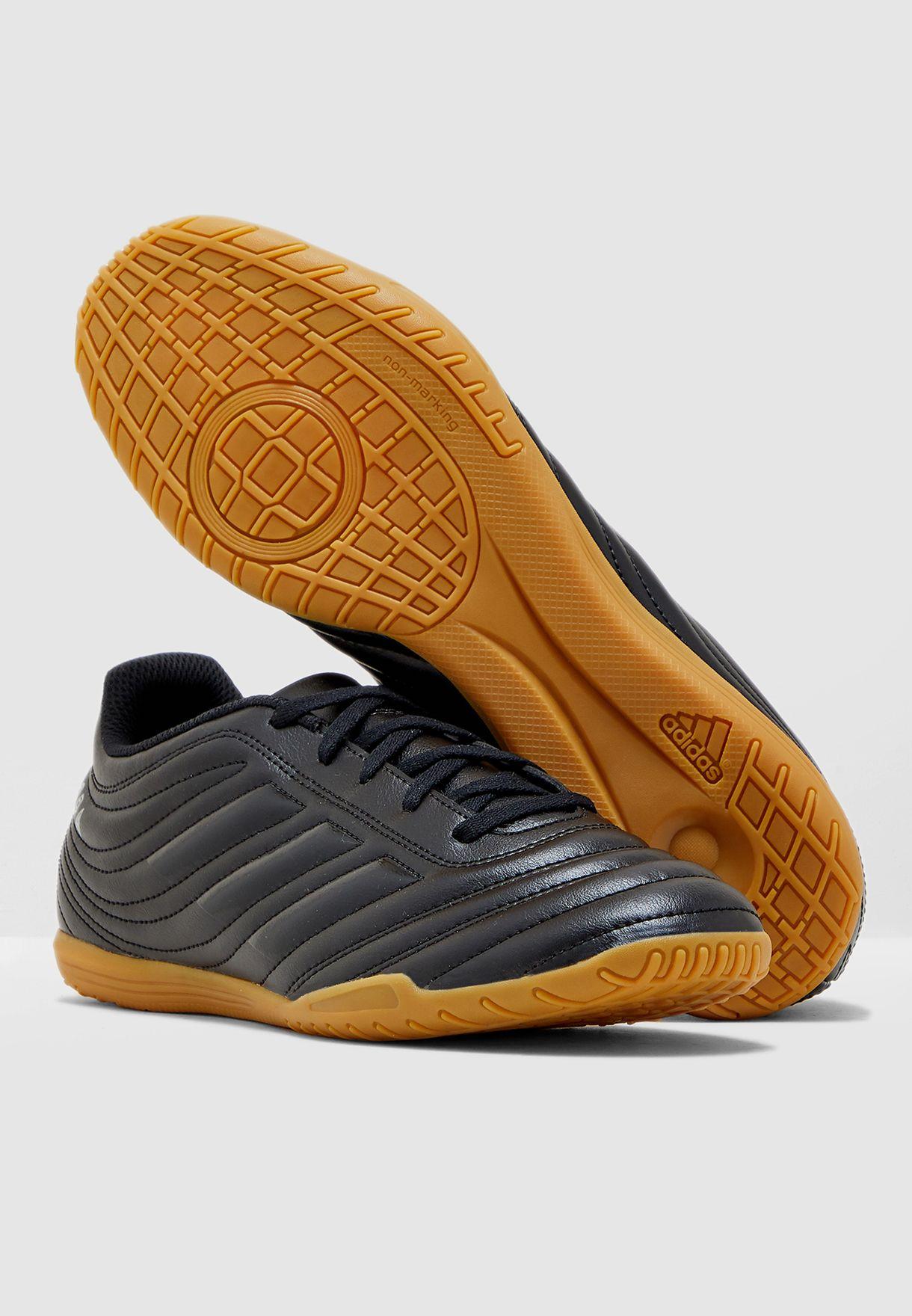 حذاء كوبا 19.4 للاسطح الداخلية