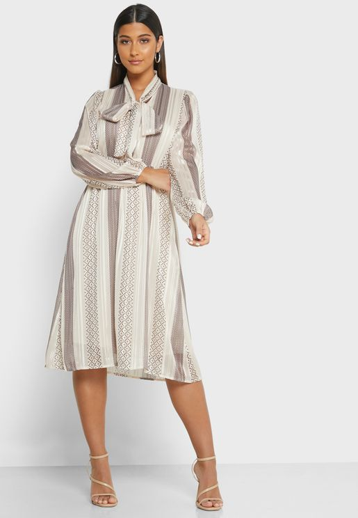 فستان بخيوط ميتاليك