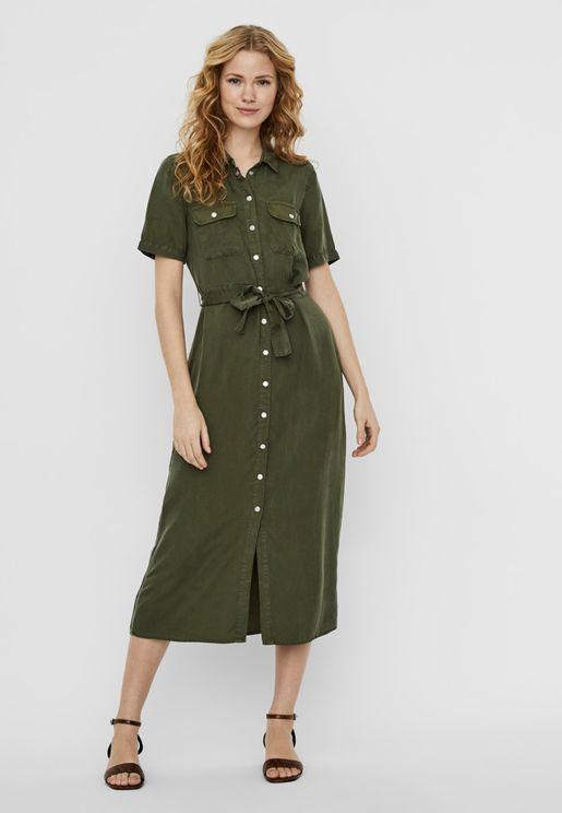 فستان بأربطة خصر واكمام قصيرة