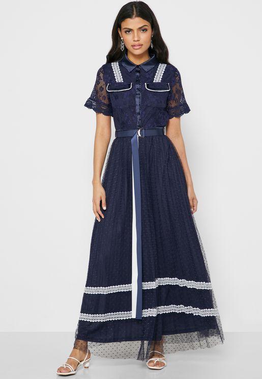 فستان دانتيل بحزام خصر