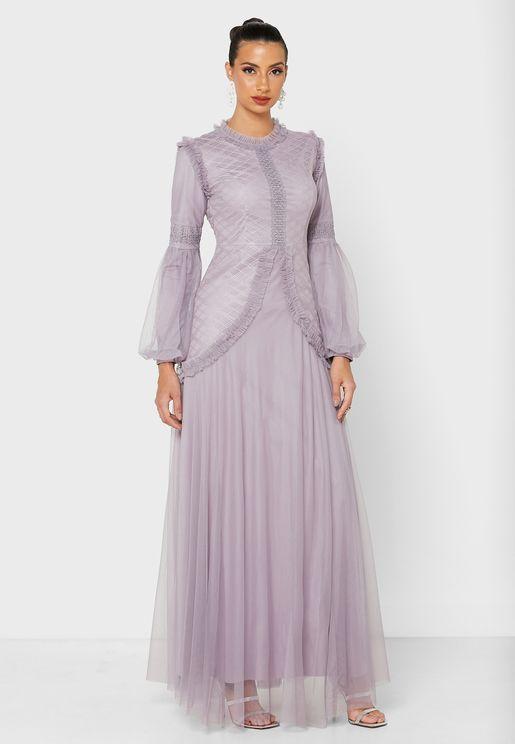 فستان تول مكشكش