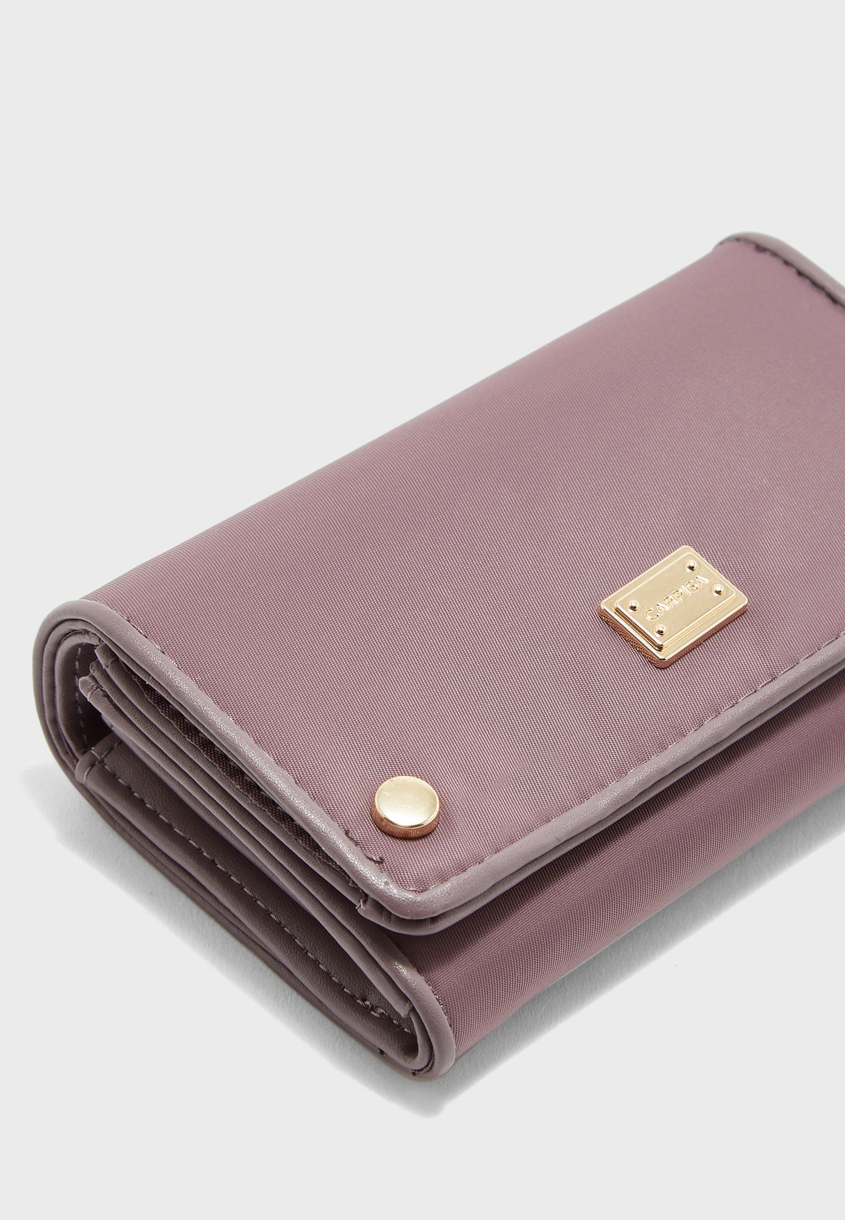 Small Bellow Flap Over Purse