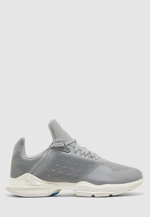 حذاء دي جيه اكس