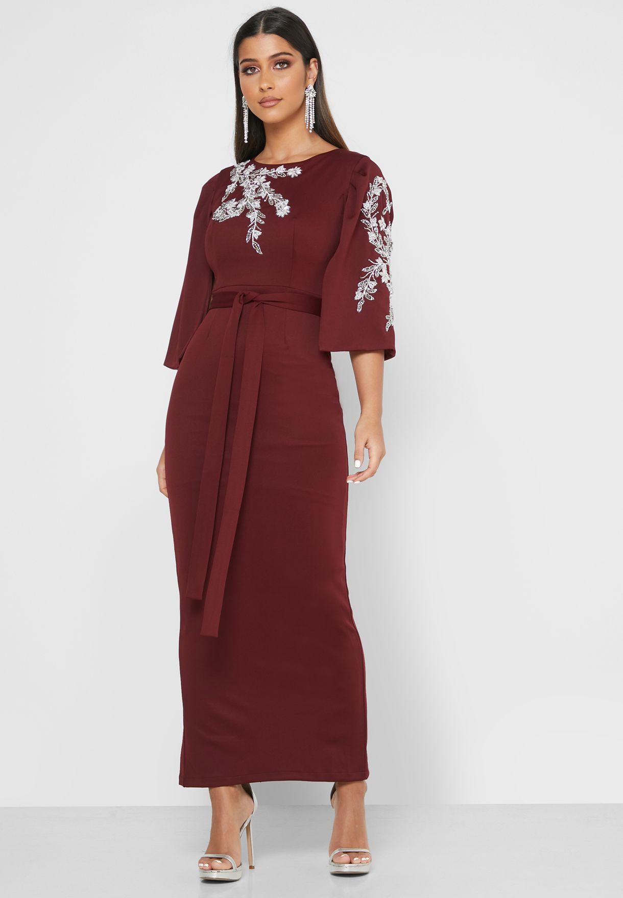فستان بخرز واربطة