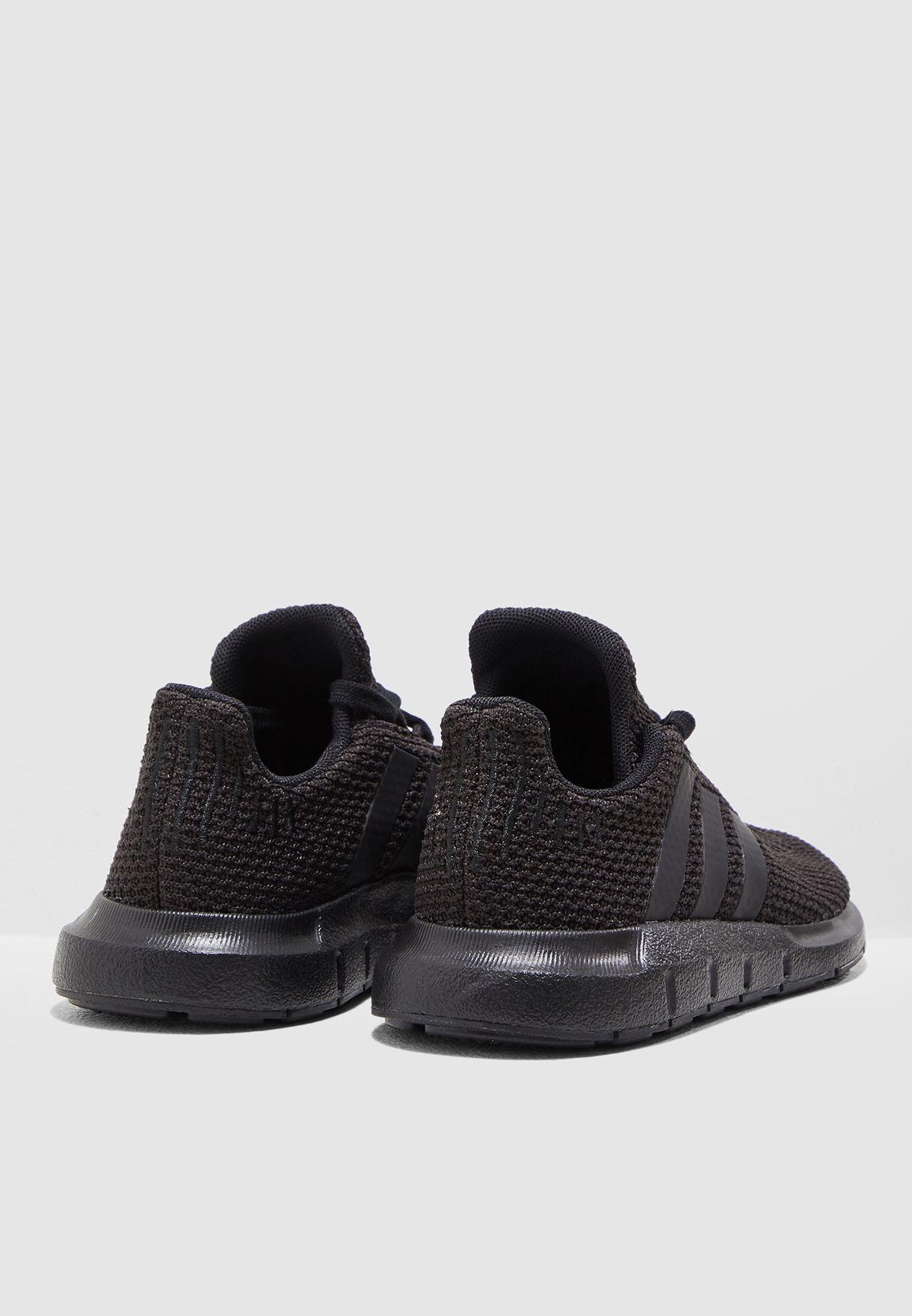 حذاء سويفت رن