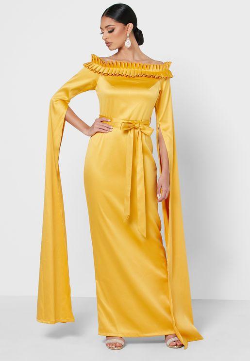 فستان مكشوف الاكتاف بأكمام نمط كيب