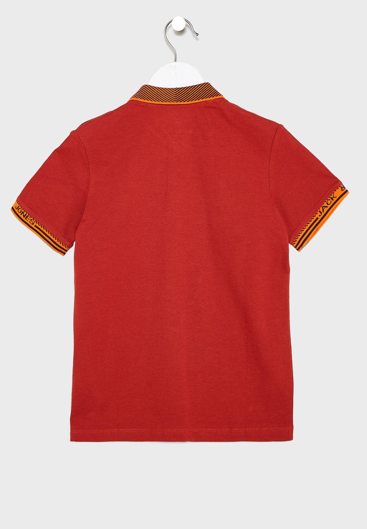 قميص بولو بشعار الماركة