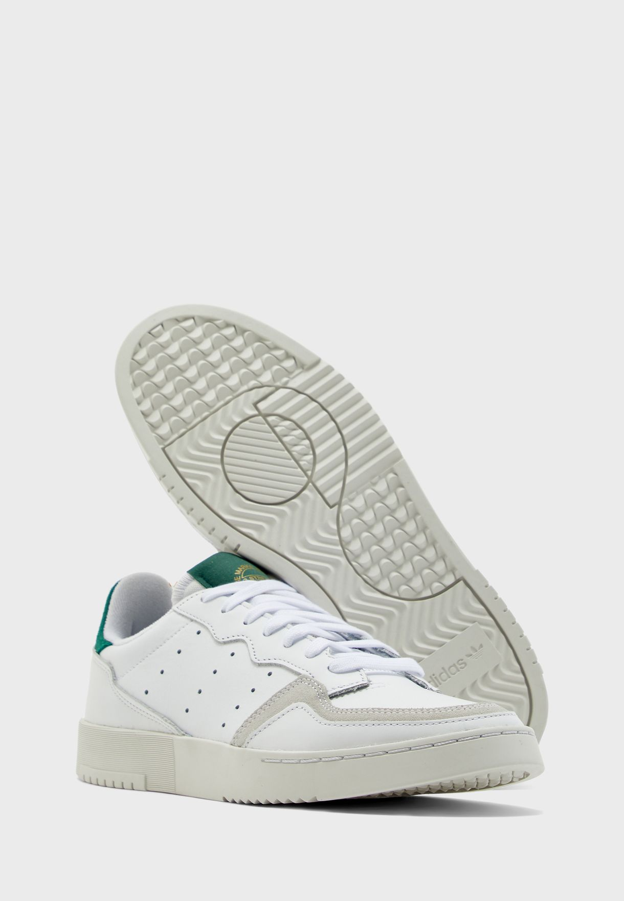 حذاء سوبر كورت