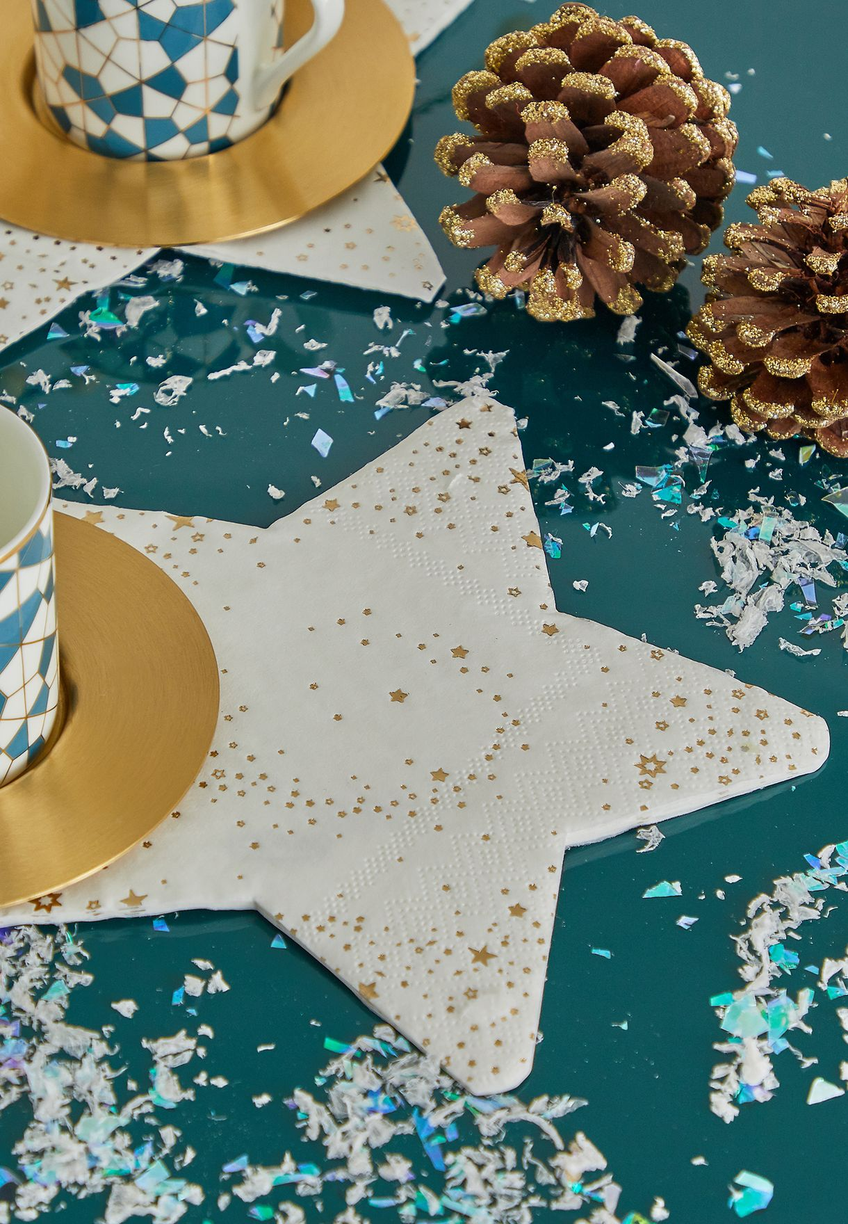 16 Pack Star Shaped Paper Napkin