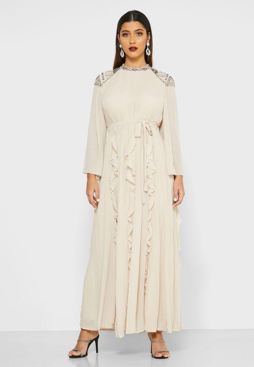 فستان بطبقة كشكش واحجار