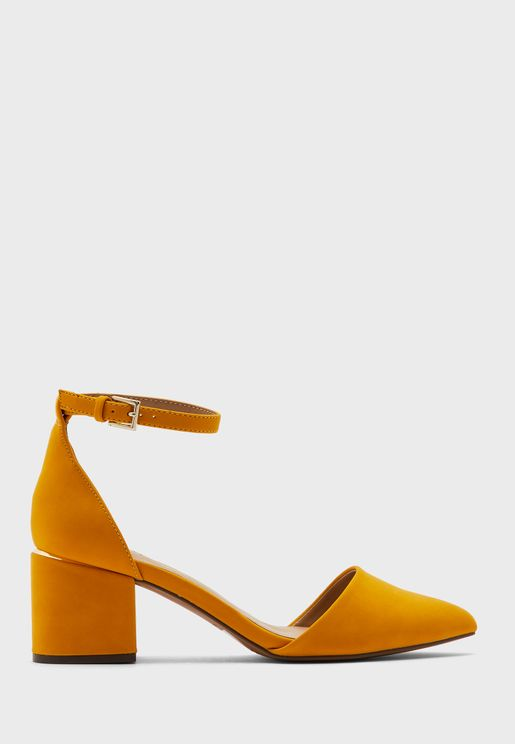 حذاء بسير كاحل وكعب سميك