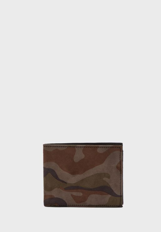 Casual Camo Wallet With 6 Card Slots