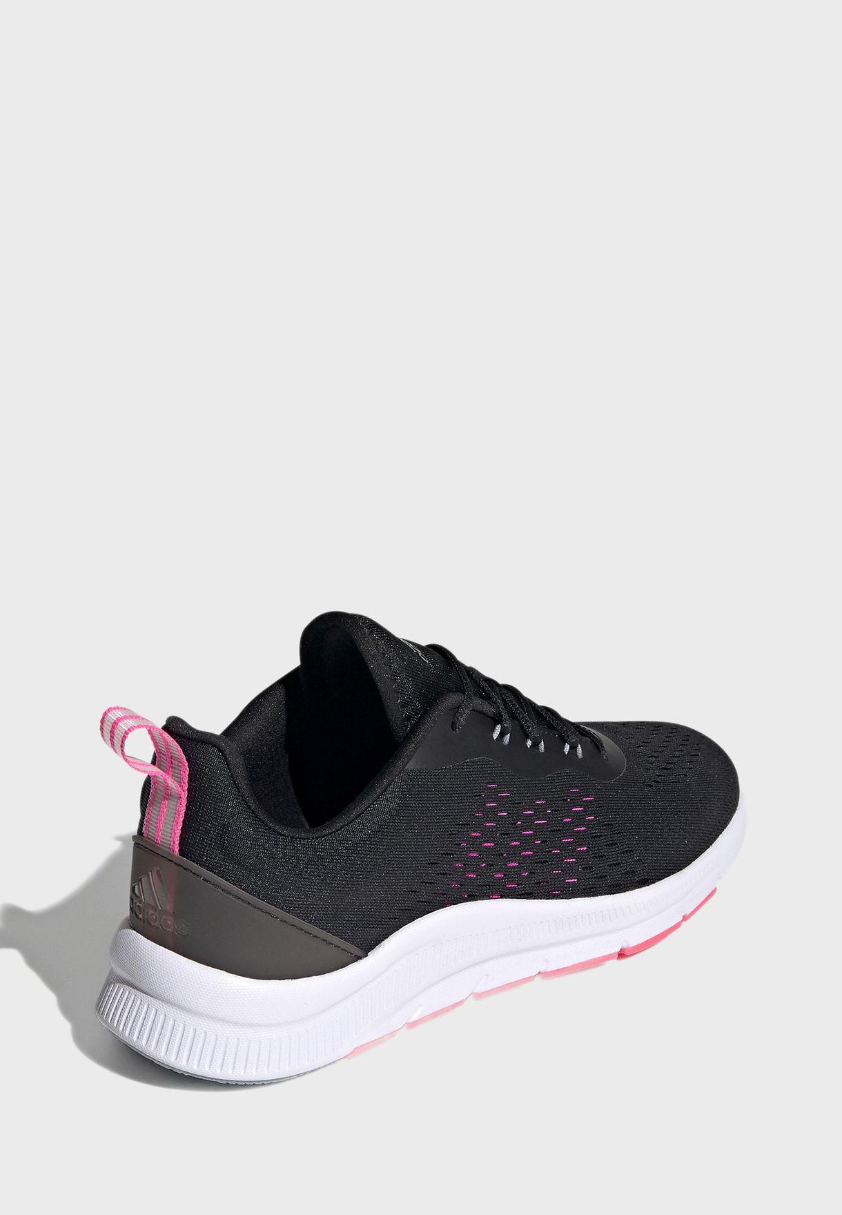 حذاء رياضي بتصميم عصري للنساء