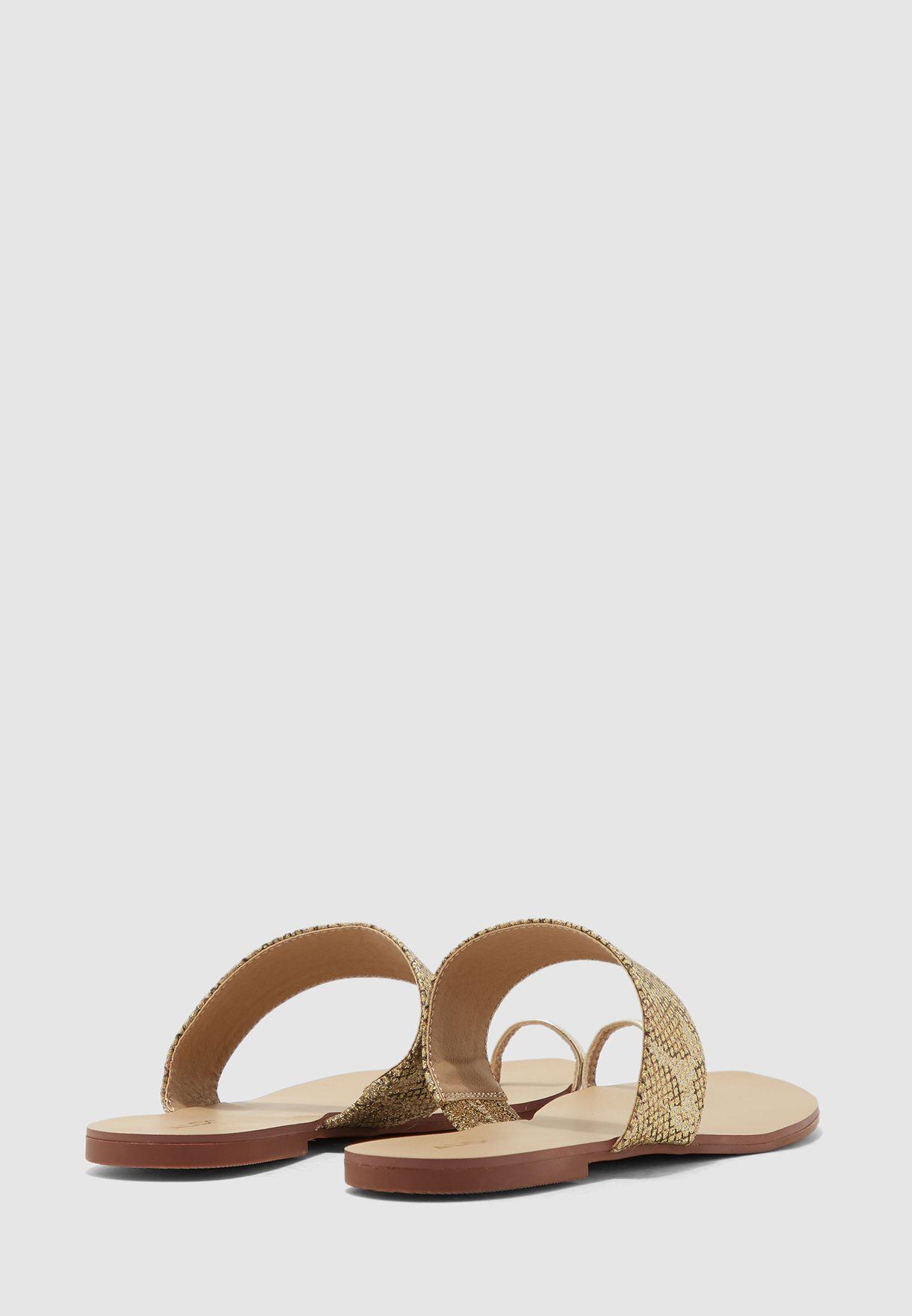 Unilmaclya Flat Sandal