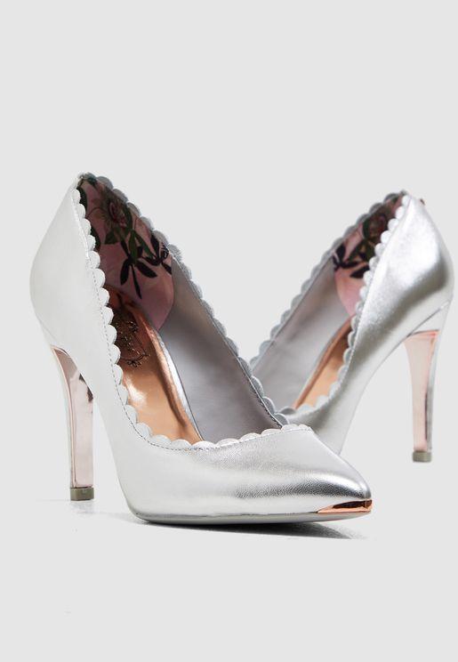 حذاء كلاسيكي ميتاليك