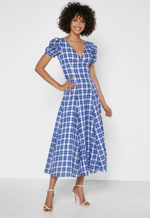 فستان مربعات باكمام منفوشة