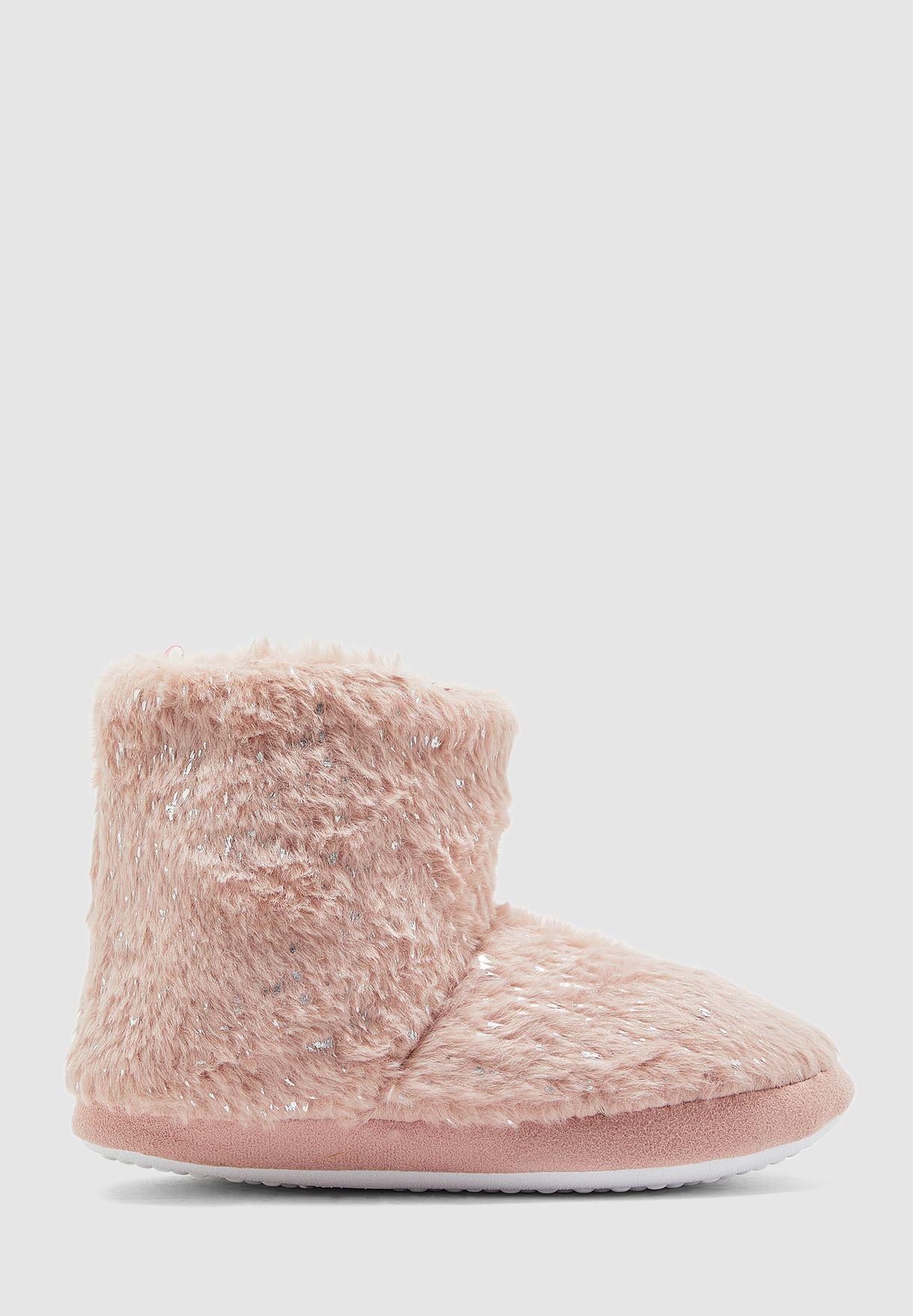 حذاء فرو