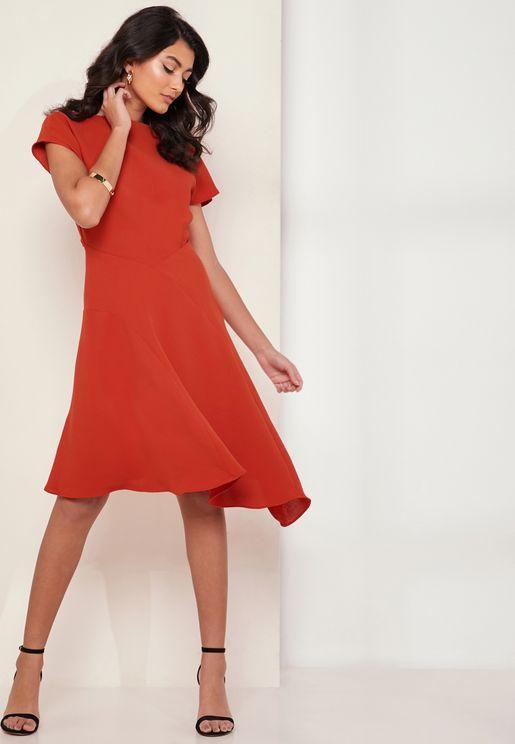 فستان سكاتر بأكمام قصيرة