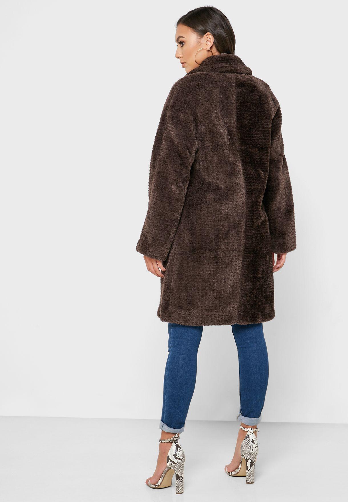 معطف فرو صناعي