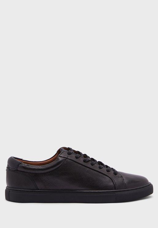 Udamo Low-Top Sneakers