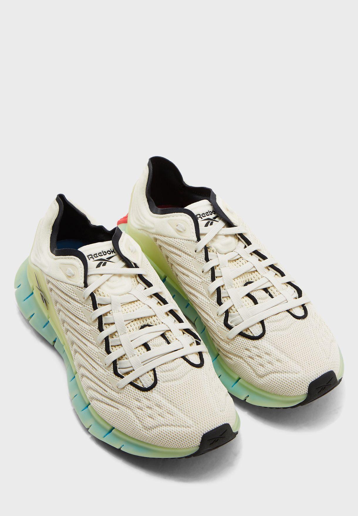 حذاء من مجموعة ريبوك زيغ كينيتيكا