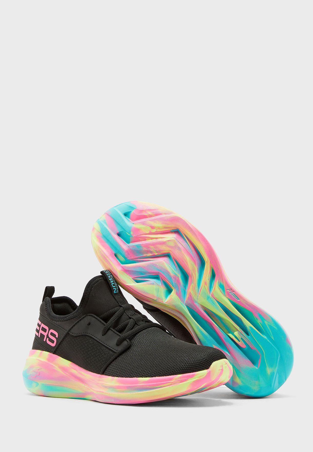 حذاء جو رن فاست - مونتاج