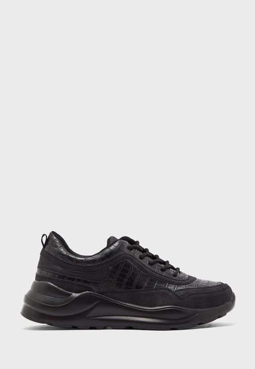 Binx Low Top Sneaker