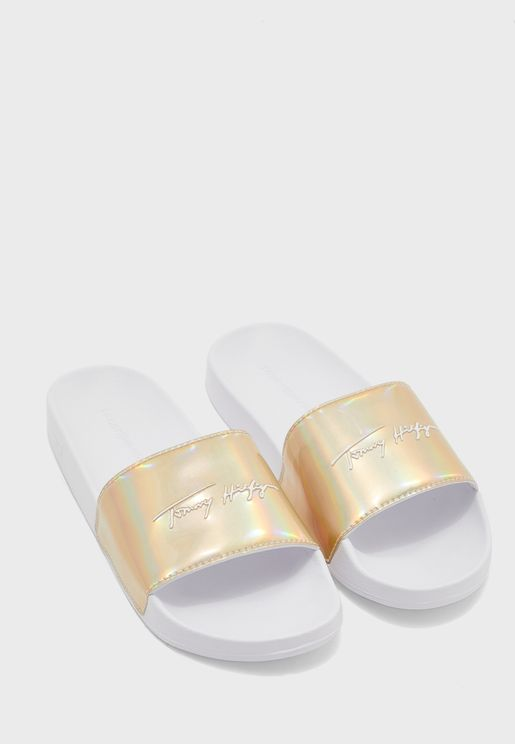 Feminine Pool Slide Sandal