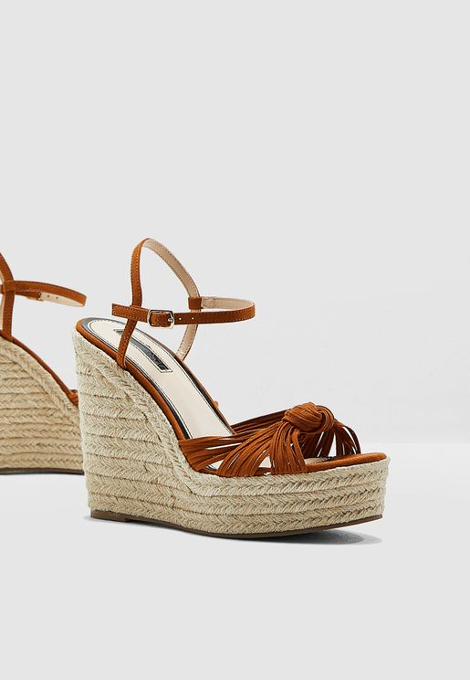 b118dd488ab4 Wallice Front Twisted Wedge Sandal - Brown