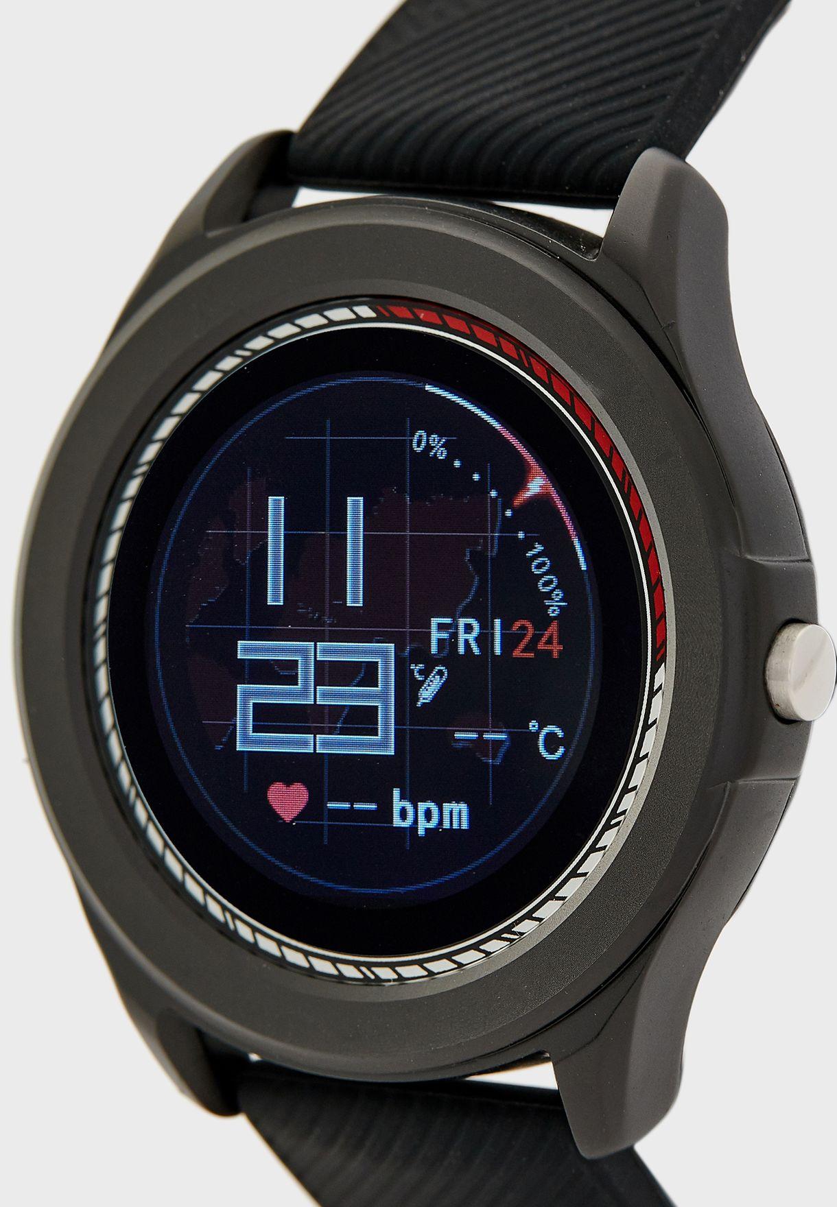 ساعة ذكية مع معدل ضربات القلب وضغط الدم