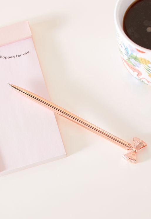 قلم مزين بفيونكة