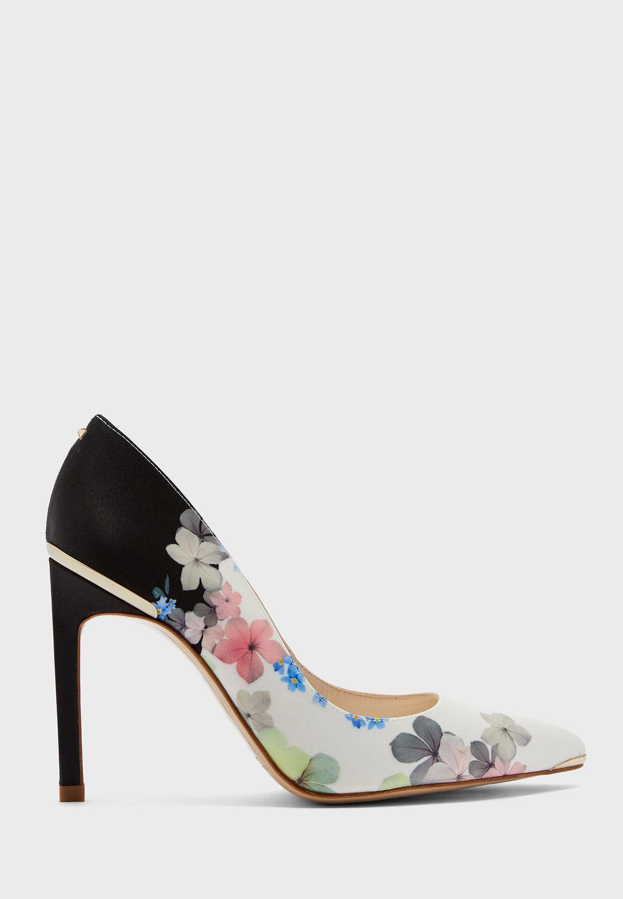 حذاء عالي بطبعات زهور