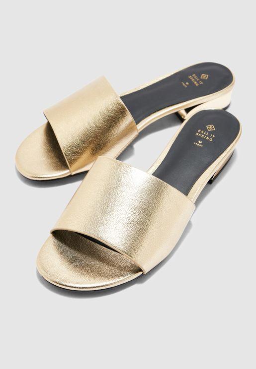 Voang Block Heel Sandal