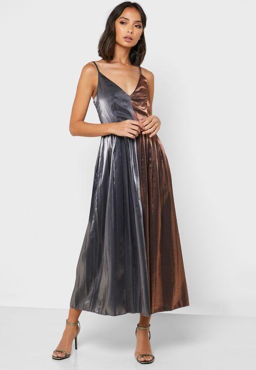 Colorblock Pleated Plunge Dress