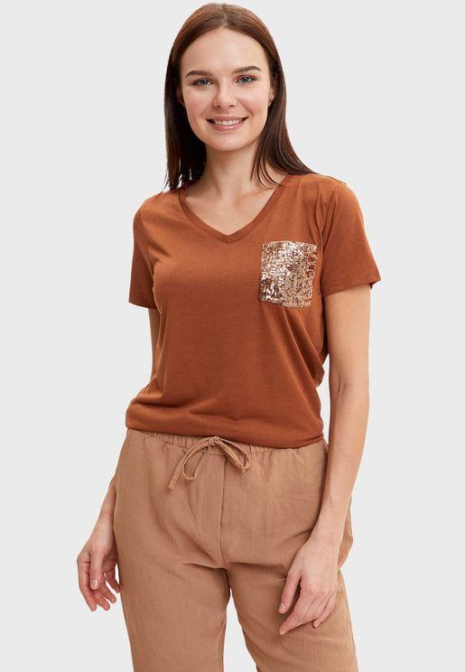 Front Pocket Detail T-Shirt
