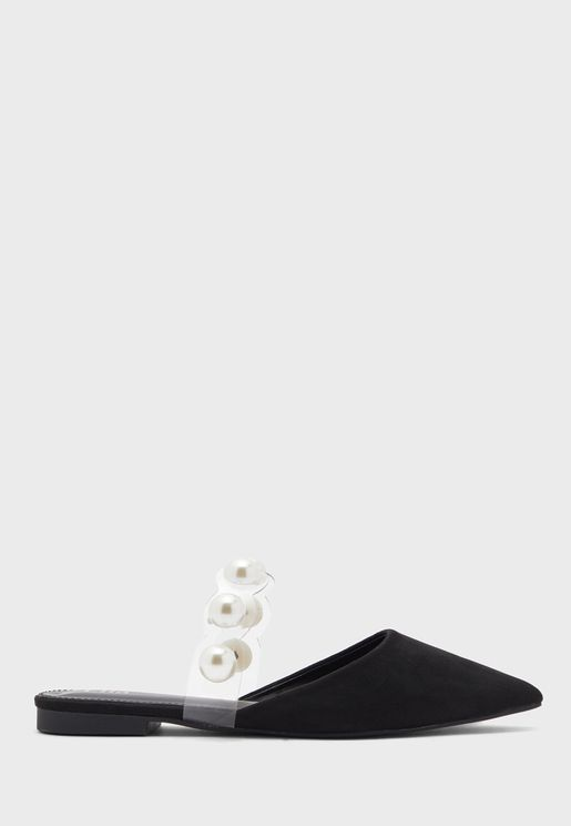 Pointed Flat Shoe With Pearl Strap