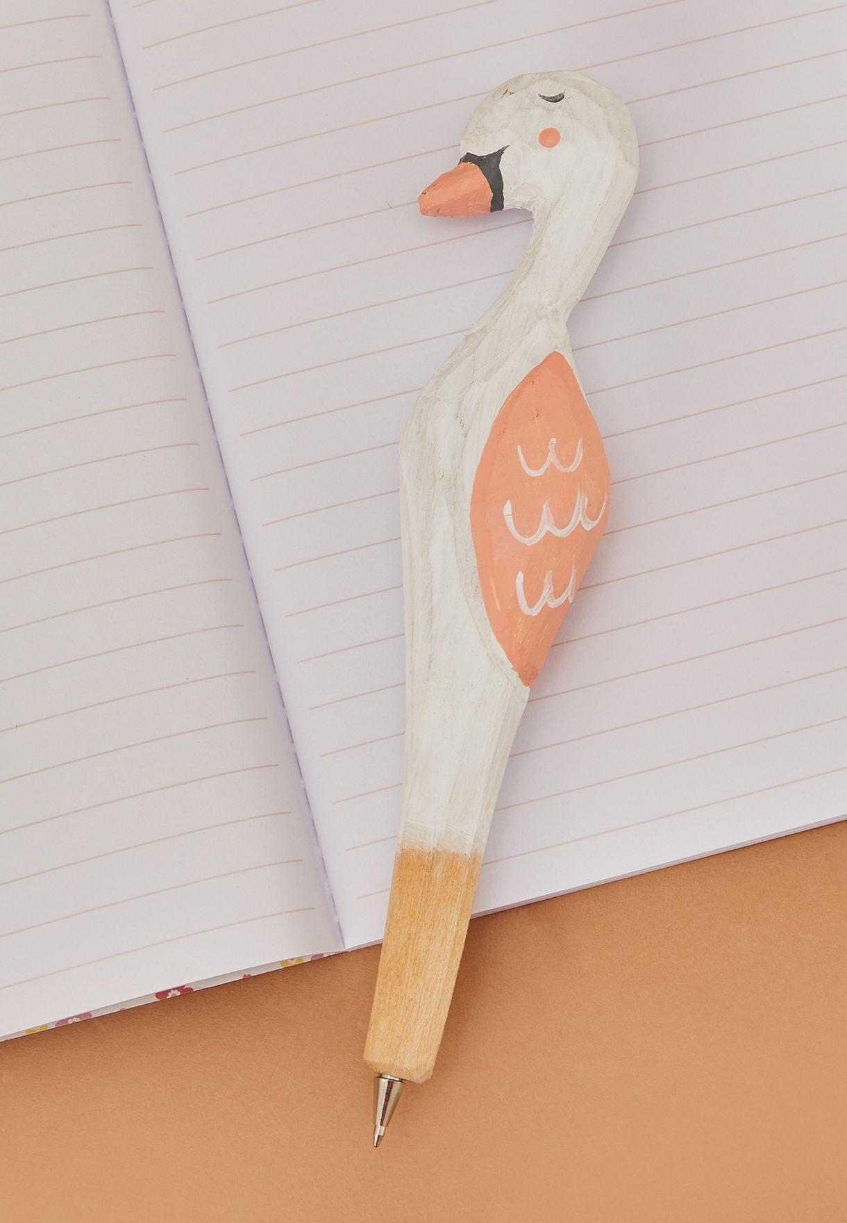 قلم خشبي صناعة يدوية