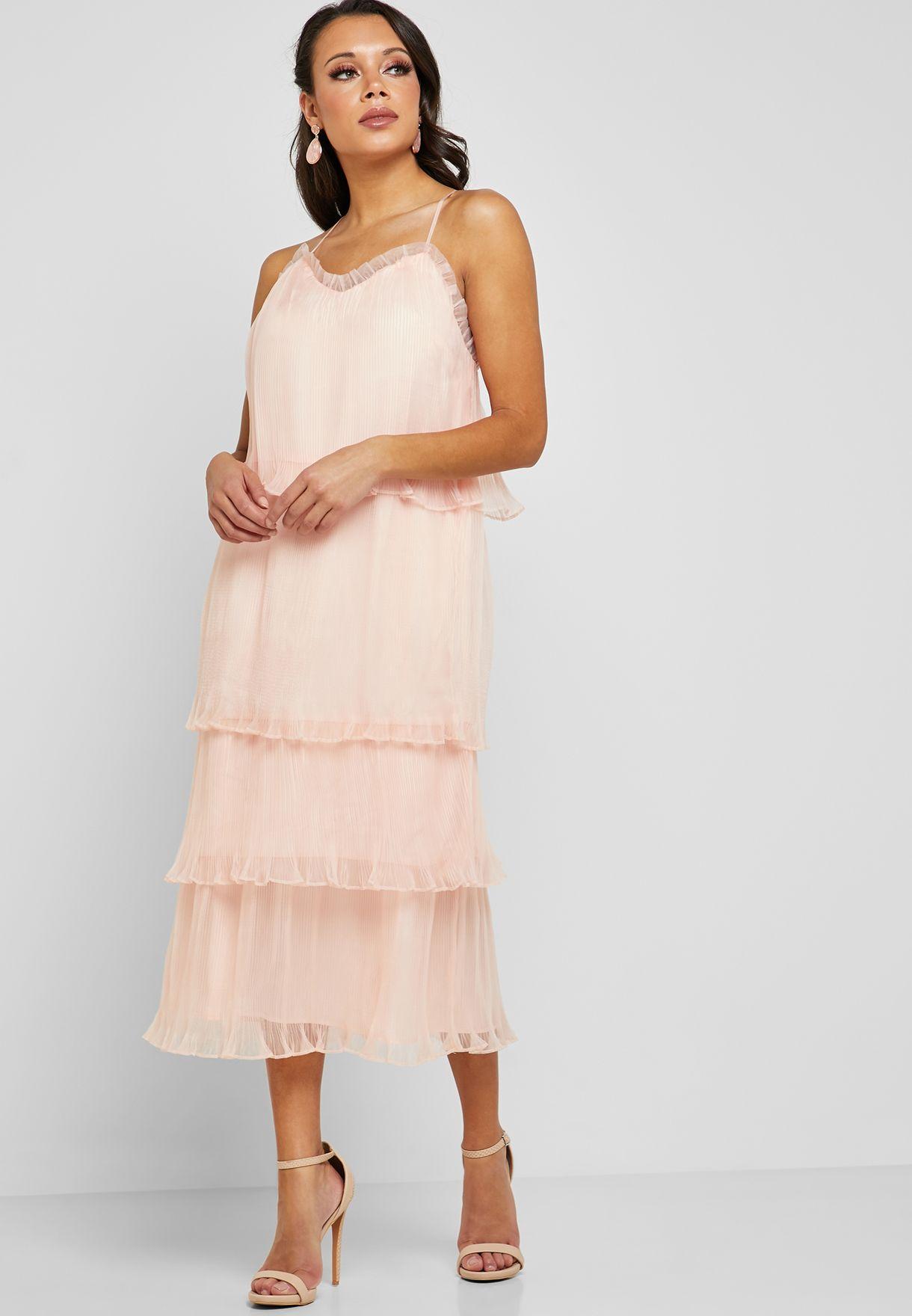 فستان بحمالات وكشكش